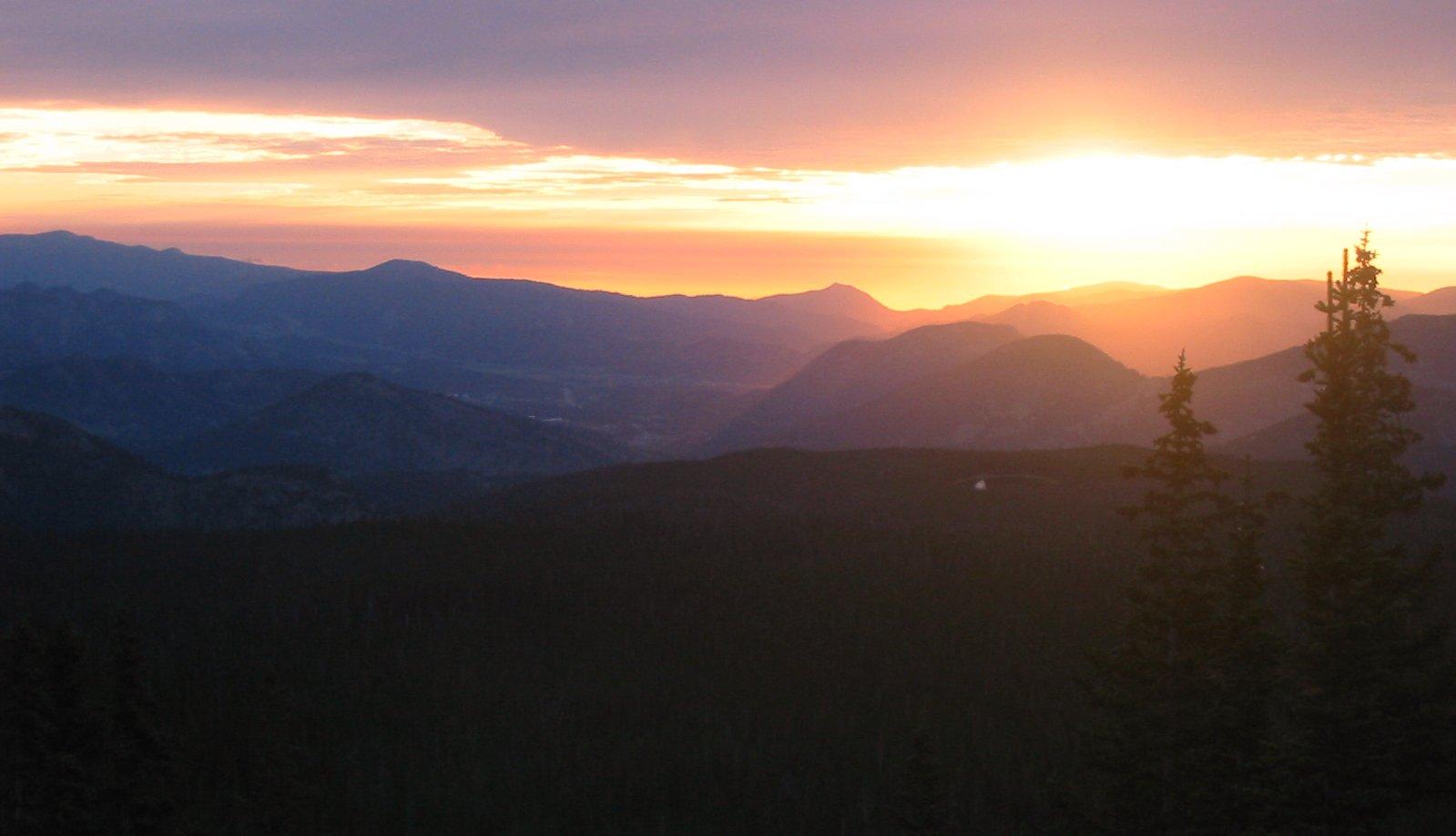 NATURE CO mountain sunrise 2